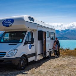 New Zealand - heaven and hell in a motorhome - by Ruth McAllister Kemp